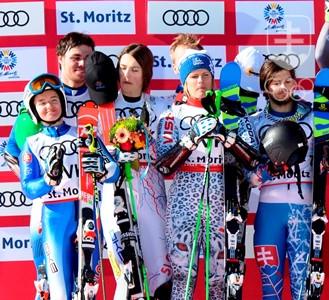 068509e10 Radosť miešaného tímu slovenských zjazdárov z historického striebra na  majstrovstvách sveta v St. Moritzi.