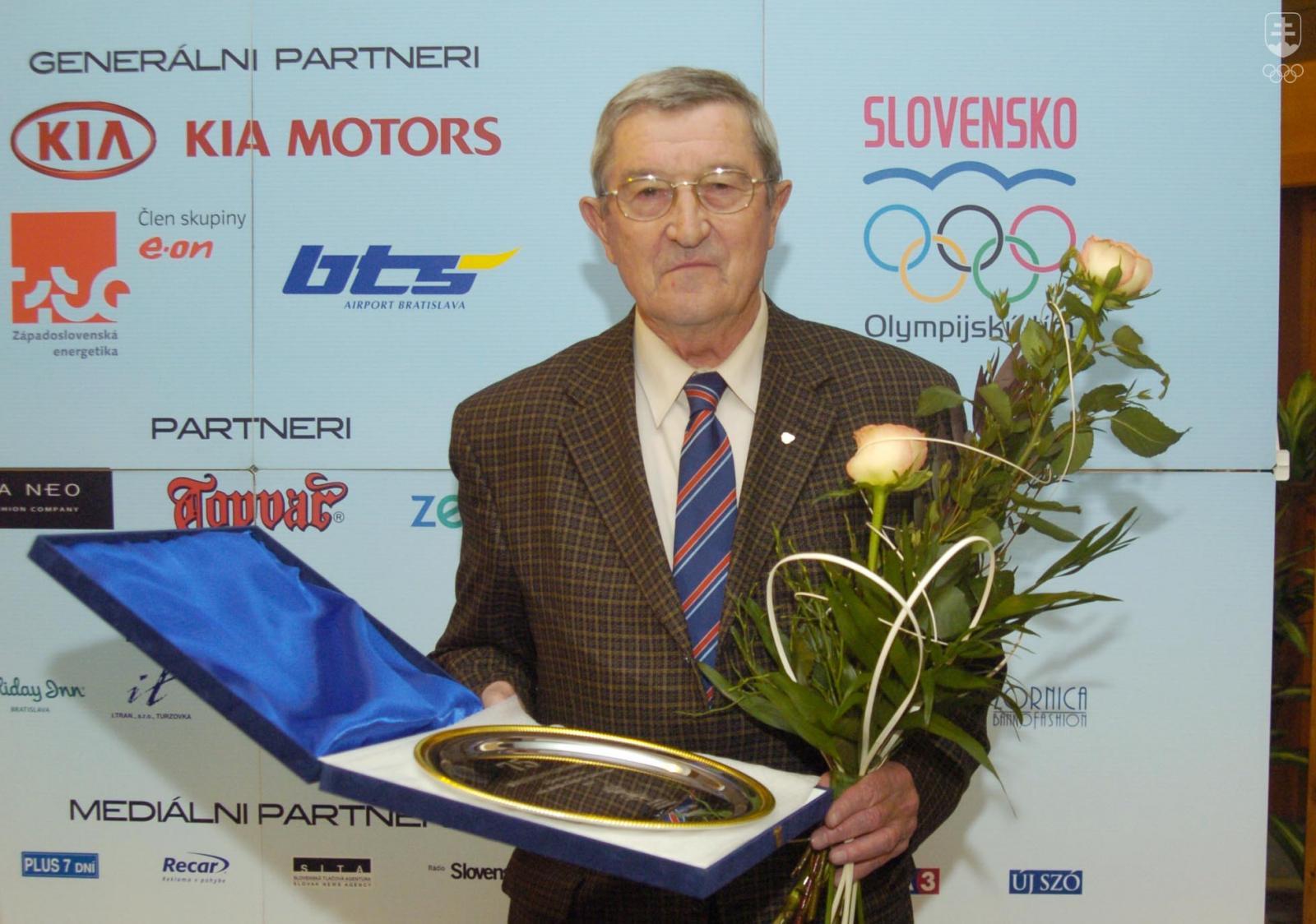 2b0365c7af060 Dvojnásobný strieborný medailista z OH Bohumil Golian išiel aktivitou na  poli šírenia olympijských ideálov príkladom všetkým