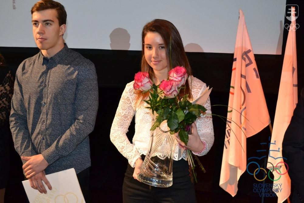 b4dd4e257 Držiteľka Ceny Krištáľového páva za rok 2015 Barbora Klementová,  reprezentantka U23 v bežeckom lyžovaní.