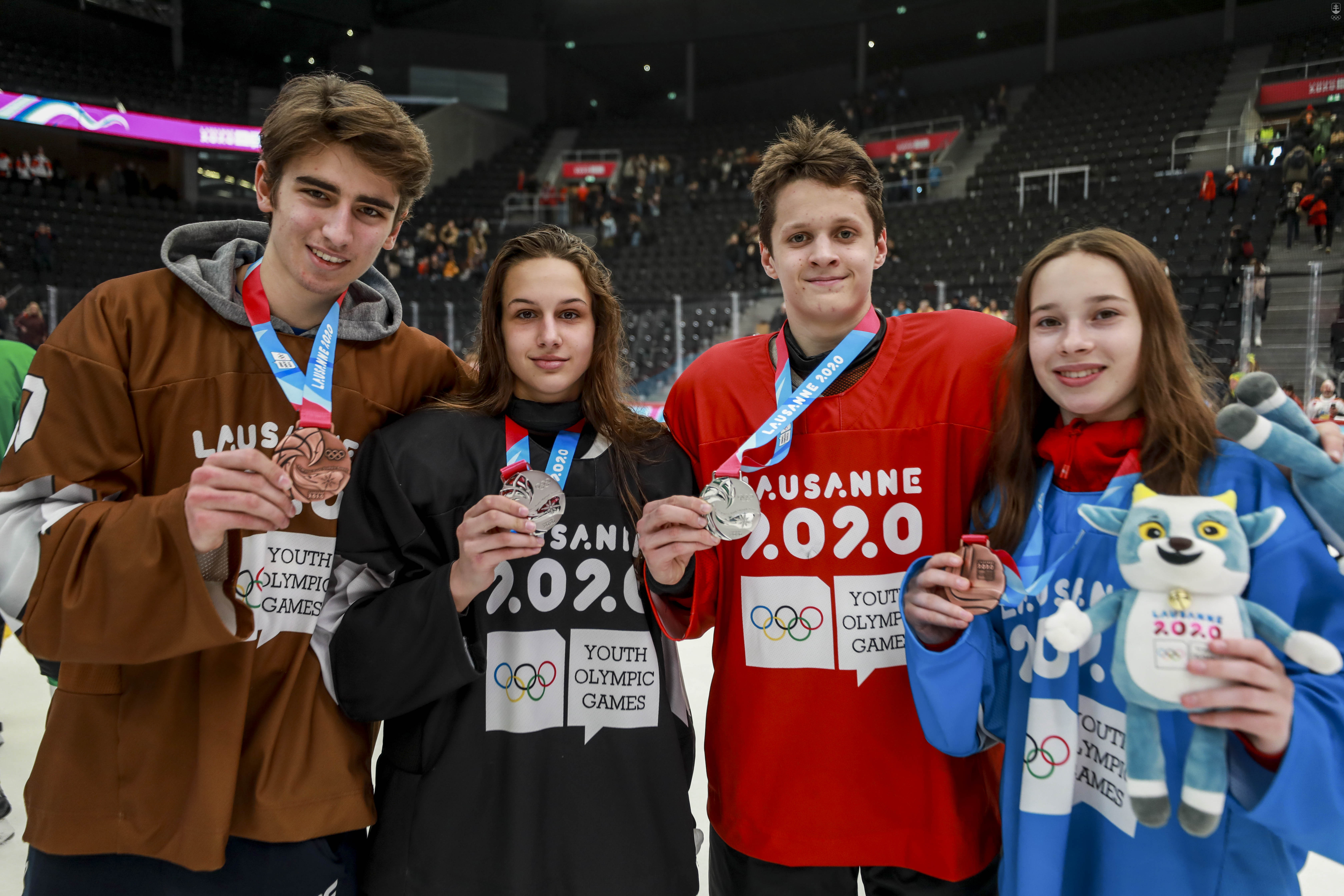 1501206_YOG_hokej_medals_2.jpg?itok=u74d